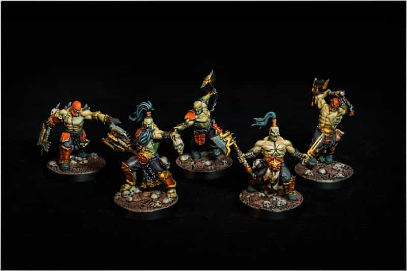 Black or White Backgrounds for Miniature Photos: What's Right For You?  - black or white background for miniatures - miniature photo background - khorne age of sigmar warhammer black backdrop photography