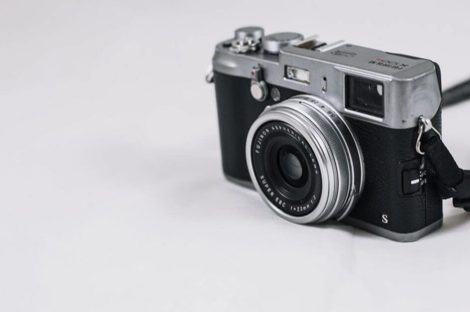 33 Reasons You Need To Take Photography, Seriously - personal reasons for photography - why photography - hobby photography -black and silver film camera