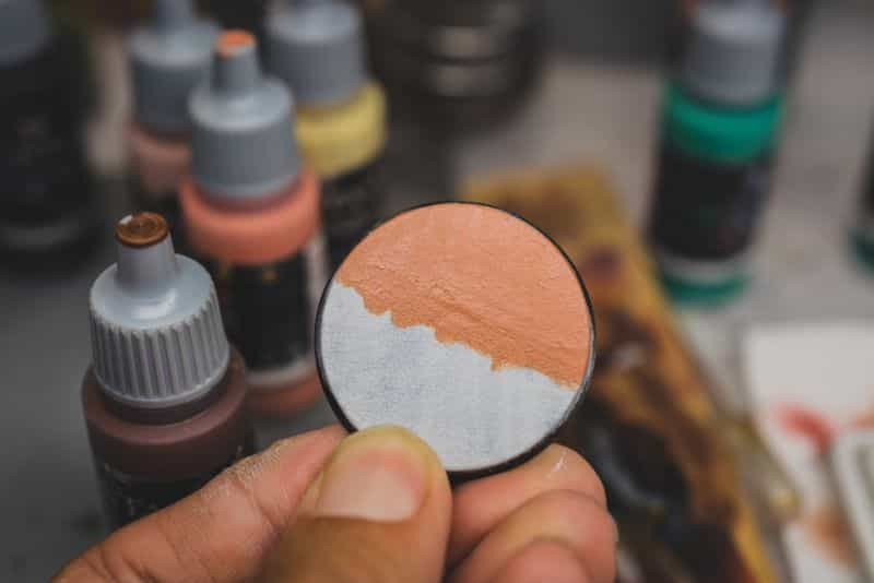 Acrylic painting guide for miniatures - basecoat layer glaze what's the difference - how to use acrylic paints with miniatures - basecoating, layering, and glazing - two thick coats