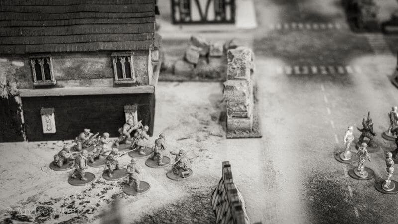 How Tabletop Miniature Gaming Can Help with PTSD - PTSD and tabletop games - wargames and PTSD - the benefits of tabletop games and boardgames for PTSD sufferers - miniatures on a battlefield