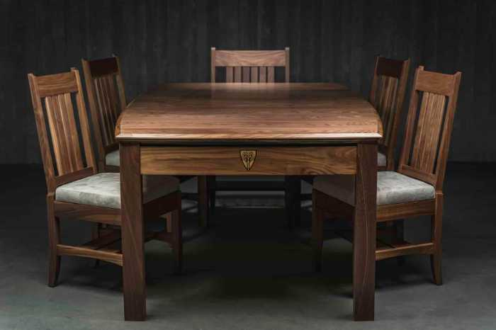 10 Great Wargaming Tables for RPGs and Tabletop Games - best game tables for RPGs - best wargaming table for warhammer - wyrmwood prophecy gaming table