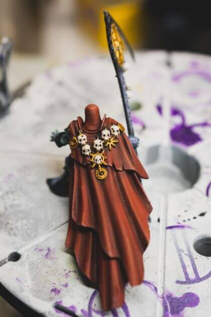 How to Paint Skulls and Bone on Miniatures (3 Easy Steps) - finished the rest of the model