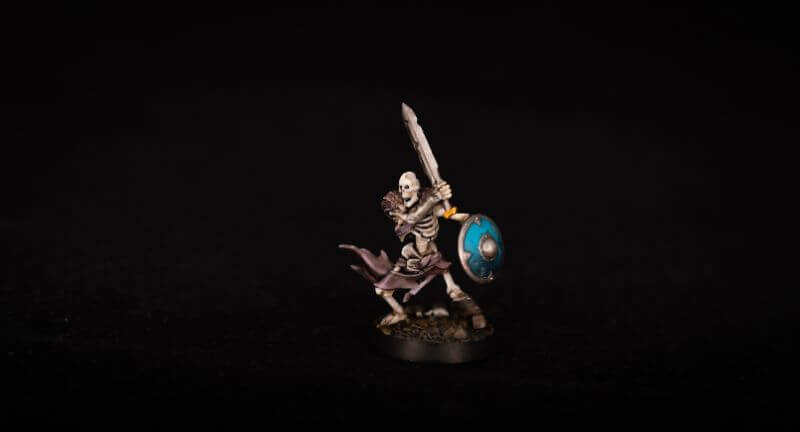 How to Paint Skulls and Bone on Miniatures (3 Easy Steps) - weathering and battle damage on bone